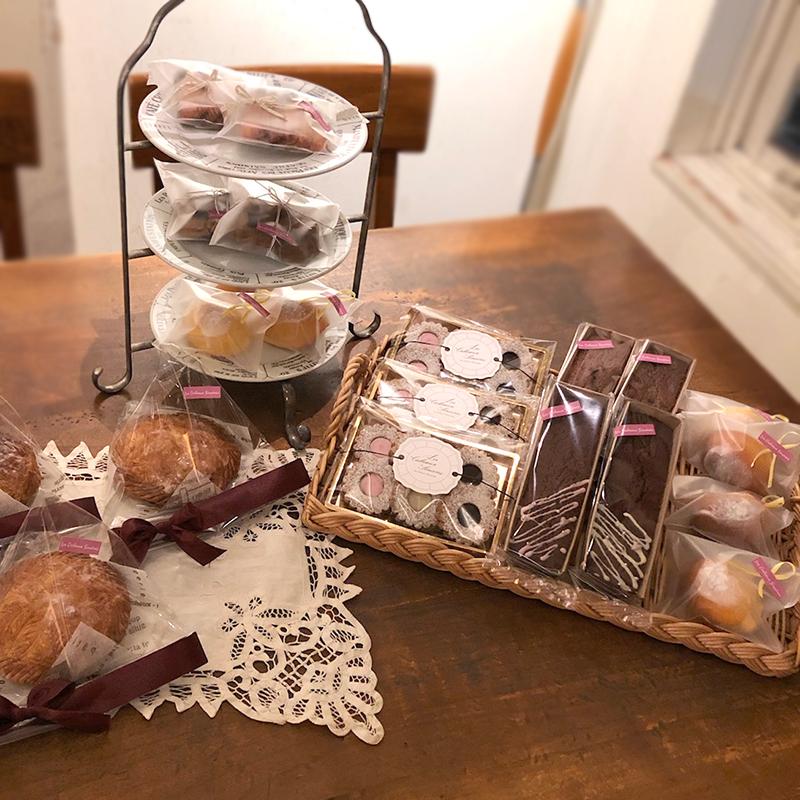 2/22(金)<br>Les Cadeaux Sincères<br>畑中千弘さんの焼菓子販売