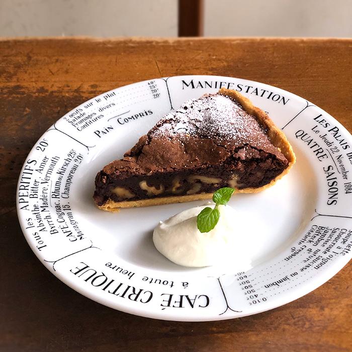 Les desserts<br>季節のドリンク/季節のケーキ<br>